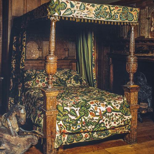 Oak bed, 1620-30